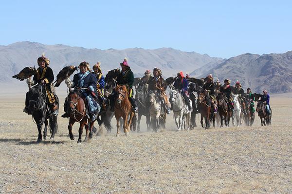 Le Festival des aigles dans l'Altai