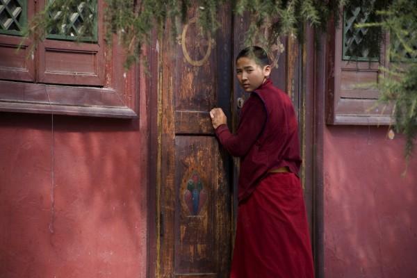 Jeune moine bouddhiste en Mongolie