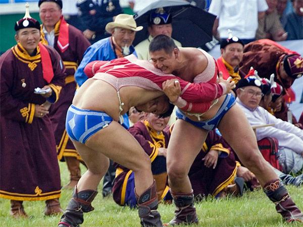Lutte mongole au Naadam